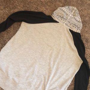 Tops - Empire hoodie